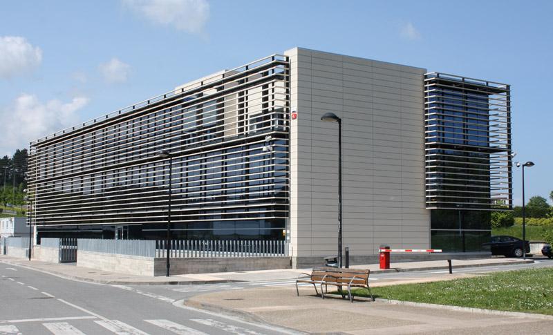 Oficinas en donostia san sebasti n for Fachadas modernas para oficinas