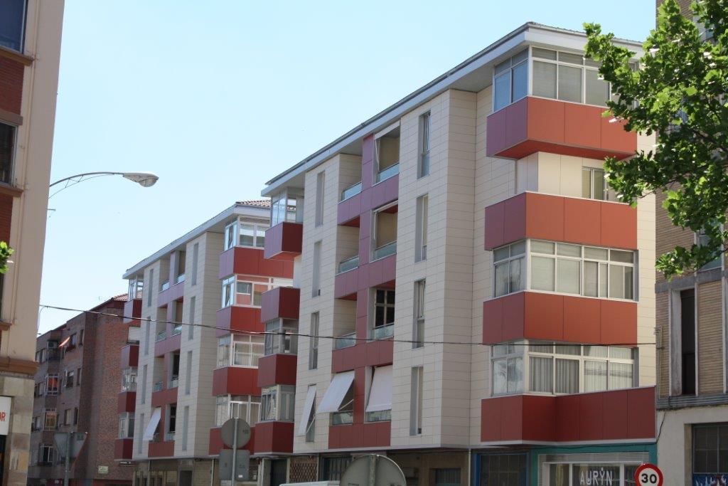 Rehabilitación en C/ Ezcaroz, Nº 5 – 7 (Pamplona)