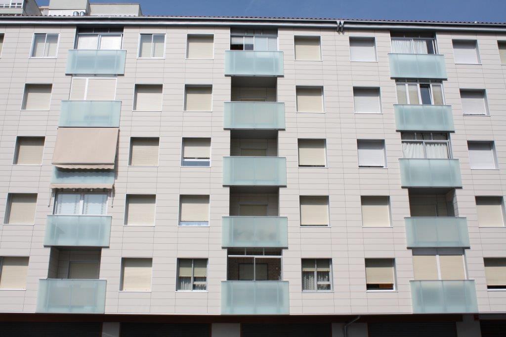 Rehabilitación Plaza Los Sauces 1-3 (Barañain)